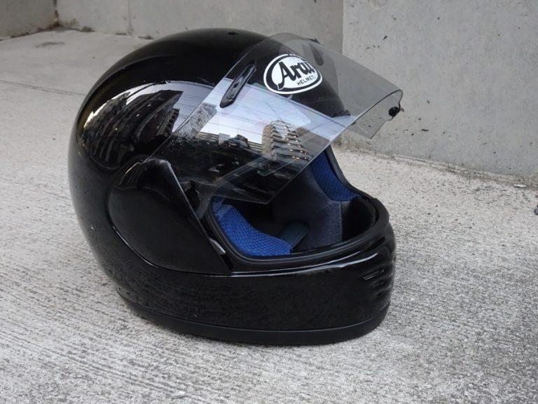 知っておきたいヘルメットの法律